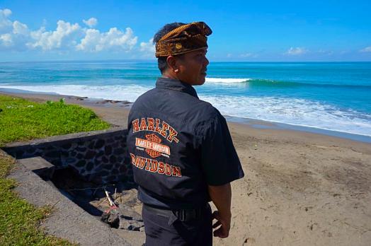 image-of-balinese-man-on-beach