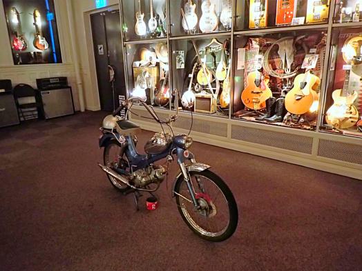 Sweden-#visitumea-guitar-museum (27)