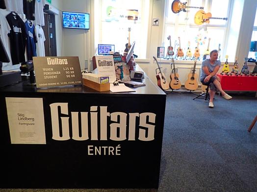 Sweden-#visitumea-guitar-museum (30)