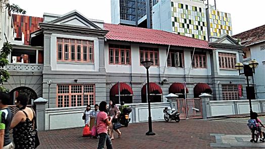 albert-mall-behind-mercure-hotel-singapore-bugis-by-www.accidentaltravelwriter.net