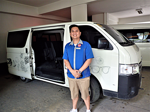 shuttle-bus-@-lind-hotel-boracay-island-copyright-www.accidentaltravelwriter.net