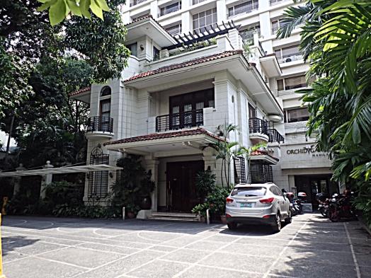 Manila-Philippine-orchid-garden-suites-hotel-credit-www.accidentaltravelwriter.net
