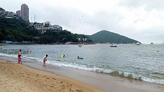 deep-water-bay-beach-credit-www.accidentaltravelwriter.net