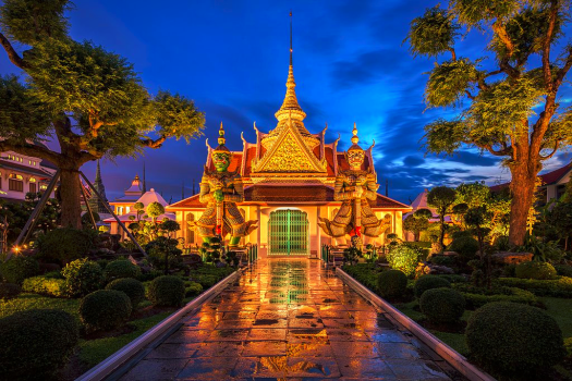 Thailand-bangkok-river-cruise-temple-of-dawn-BerryJ