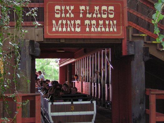 six-flags-mine-mine-train-amusement-park-ride