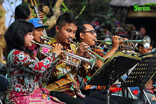 muusicans-performing-at-Ubud-village-jazz-festival