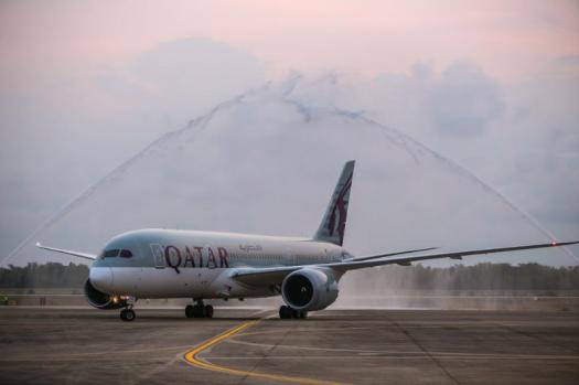 image-of-aviation-qatar-airways-inaugural-fligh-u-tapao-airport-_๑๘๐๑๒๙-3