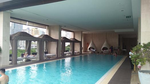 oriental-residenc-eswimming-pool