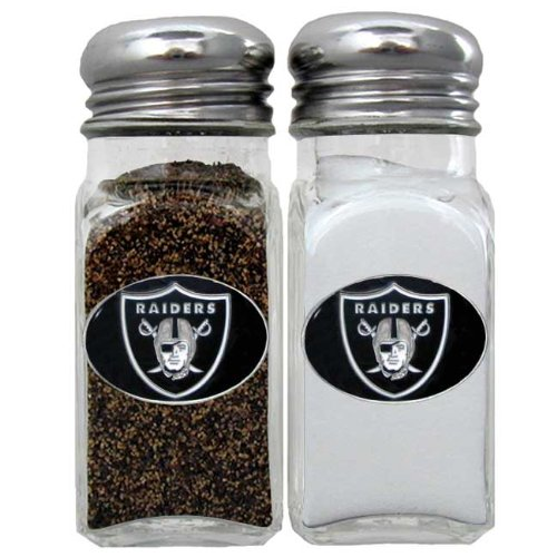 Raiders-salt-and-pepper-shakers