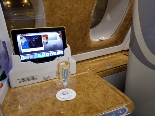 aviation-emirates-hkg-bkk-aboard (30)