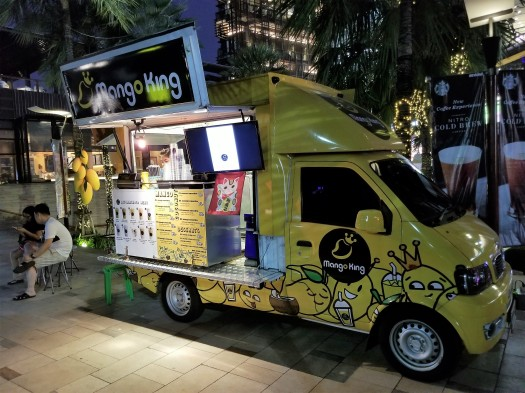 thailand-pattaya-bars-on-wheels (9)