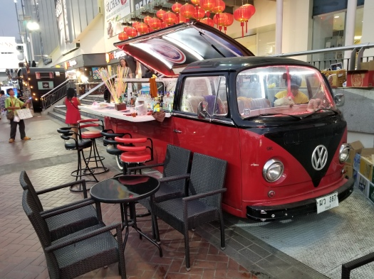 image-of-pattaya-thailand-red-and-black-cocktail-car
