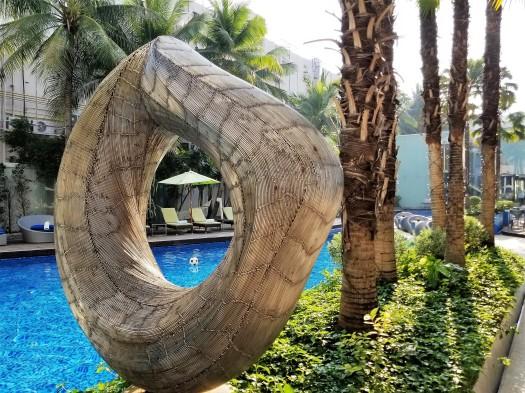 image-of-hotel-baraquda-sculpture